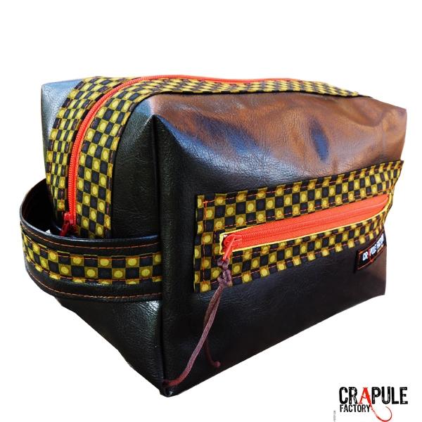 grosse trousse de toilette pour homme original cuir. Black Bedroom Furniture Sets. Home Design Ideas