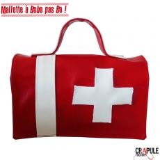 """Mallette de secours """" BOBO pas jojo""""  Pharmacie rouge à croix blanche"""