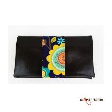 Porte- chéquier chic retro /pin up / rockabilly/motifs cuir synhtétique argenté bande bleu pois rouge