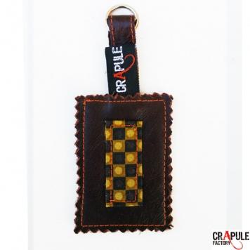 Porte clef cuir marron foncé motifs kaki noir à carreaux pop