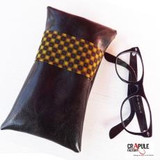 """Etui à lunettes  """"Cap'taine"""" vintage cuir synthétique marron bande vert moutarde psyché - Molletonée"""