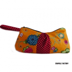 TrOusse / Pochette plissée originale vintage fleur seventies et rouge à pois